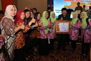 Foto Bersama Gubernur Jatim